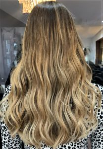 picture ladies long hair in waves