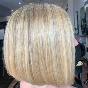 picture tonal blonde ladies bob hair cut